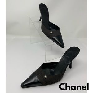 Chanel Vintage Black Kitten Heels